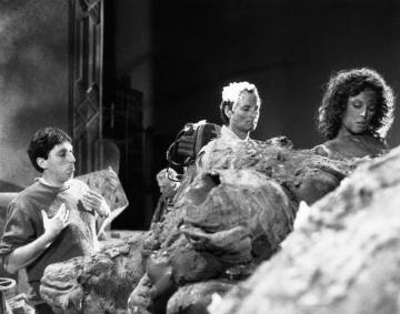 GHOSTBUSTERS, from left, director Ivan Reitman, Bill Murray, Sigourney Weaver, 1984, ©Columbia